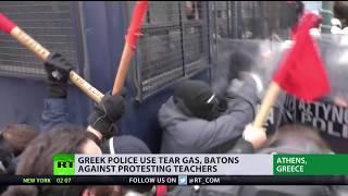 Police use tear gas, batons against protesting school teachers in Greece
