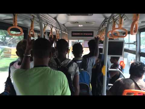 Iles Salomon Trajet en bus vers Honiara Centre ville / Solomon islands Bus to Honiara