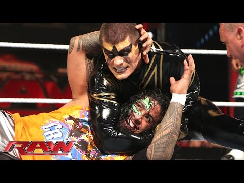 The Usos Vs. Gold & Stardust - Wwe Tag Team Championship Match: Raw, Aug. 25, 2014 video