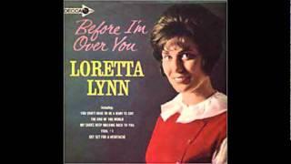 Watch Loretta Lynn Get Set For A Heartache video