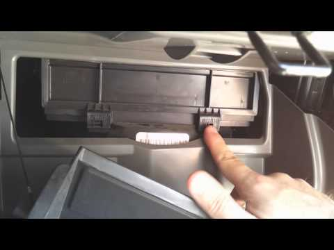 Cabin air filter replacement on a 2006 Nissan Altima
