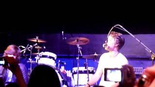 Watch Hanson Rain video