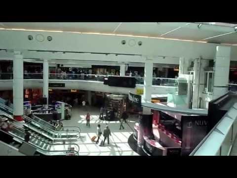 WALK AROUND GATWICK AIRPORT LONDON SOUTH TERMINAL SHOPS RESTAURANTS + GATES