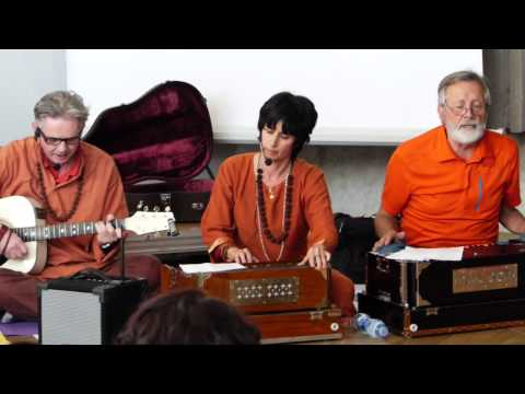 NAMAH SHIVAYA sung by Sw Gayatri Shakti at Yoga Meeting -YOGA...