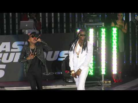 "Wiz Khalifa Ft. 2 Chainz ""We Own It"" Live at Universal CityWalk Hollywood"