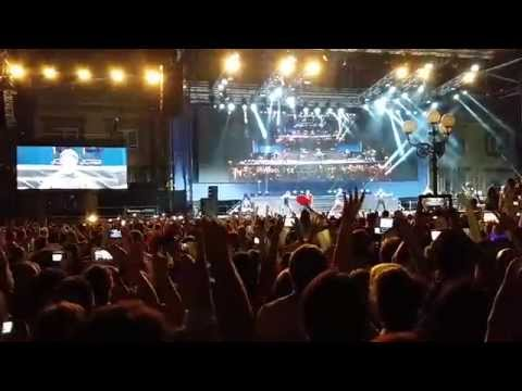 Backstreet Boys - Everybody (Backstreet's Back) (Piazza Napoleone, Lucca Italy 2014)
