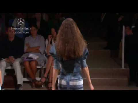 HERVÉ LÉGER by MAX AZRIA Spring 2010 runway show, Mercedes-Benz Fashion Week