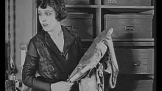 Florence Vidor, Elliott Dexter,1918. Canta: Bando da Lua,