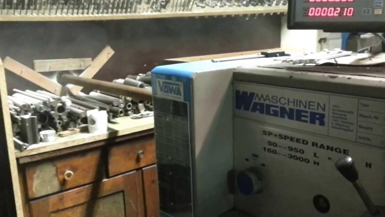 Mit Drehmaschine ein Loch in die Wand bohren  YouTube ~ Spülbecken Wasserhahn Loch Bohren