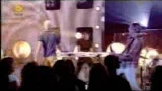 Клип Enrique Iglesias - La Bamba (live)