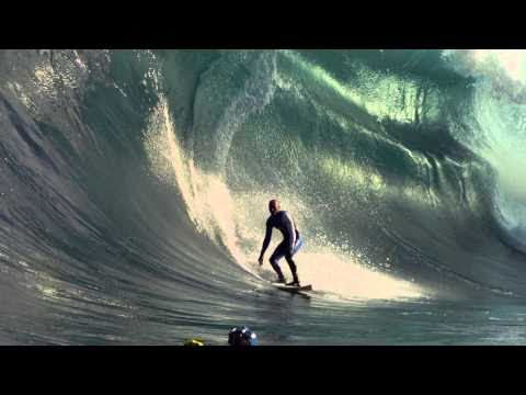 kelly-slater-stays-warm-in-cypher-wetsuits.html