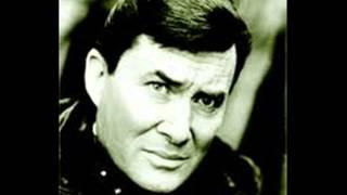 Watch Don Gibson Heartbreak Avenue video