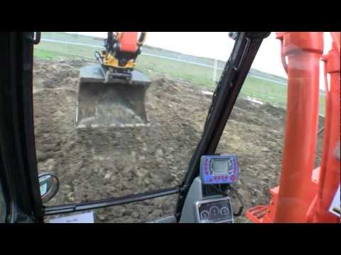Playing with an Doosan DX 235 LCR zero tail swing excavator, equipt with an Engcon EC 226 rototilt, with an Doosan DX300LC-3 in the background, at the E&H '1...