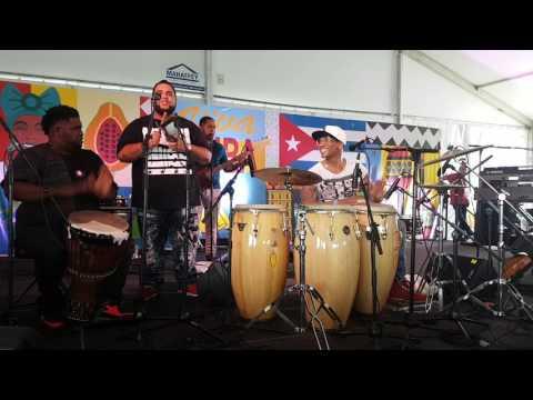 Pedrito Martinez y - Weedie Braimah JazzFest 2017