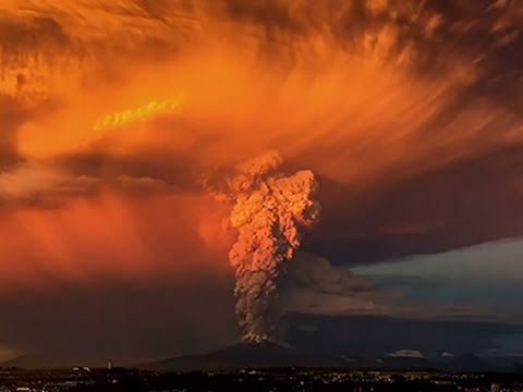 The Calbuco volcano erupted Wednesday for the first time in more than 42 years, billowing a huge ash cloud over a sparsely populated, mountainous area in southern Chile. (April 22)  Subscribe for more Breaking News: http://smarturl.it/AssociatedPress