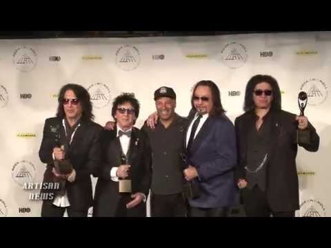 RAW - KISS REUNITE: VISIT ROCK HALL PRESS ROOM, TOM MORELLO AND ACE FREHLEY ANSWER QUESTIONS