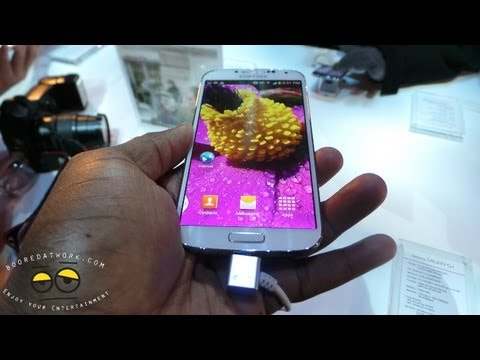 Samsung Galaxy S4 Software Demo: AirView. Smart Pause & more