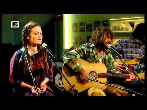 Angus & Julia Stone - Big Jet Plane (MTV Home)