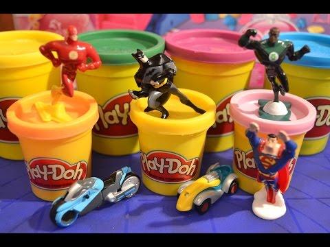 Киндер сюрприз Плей До Супермен, Бетмен, Флеш Распаковываем киндер сюрпризы Плей До