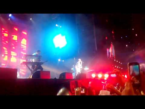 Tokio Hotel Girl Got A Gun - Argentina 2014 video