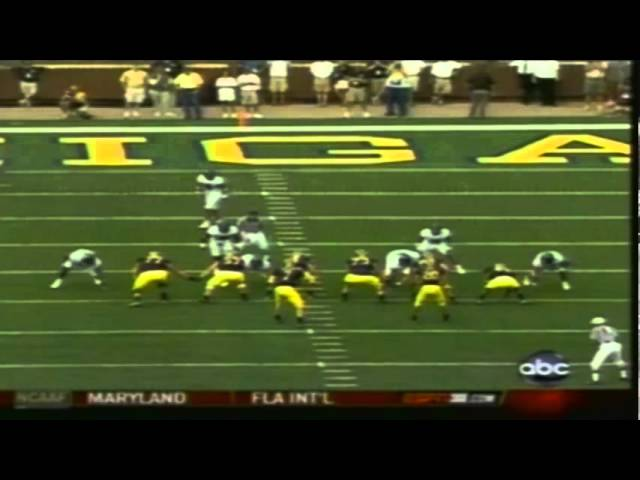 Oregon DT Jeremy Gibbs sacks Michigan QB Chad Henne 9-08-07
