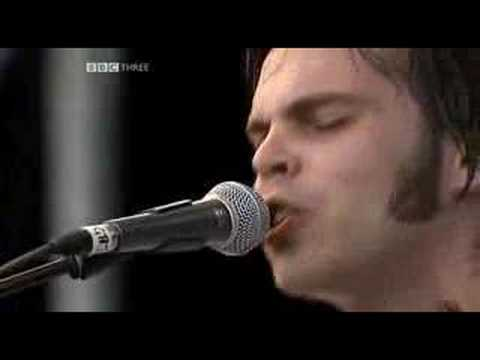 Supergrass - Alright (Live at Glastonbury 2004)