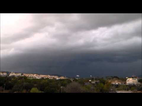 La tarde del 31 de Julio y las primeras horas del comienzo de Agosto vino precedido de unas tormentas espectaculares. Nuestro amigo Rafa García nos lo cuenta con imágenes...