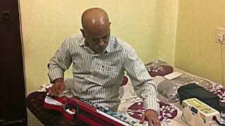 Bulbul - Kannada song aalakke hoovilla,1962 on Bulbul Tarang/Banjo by Vinay Kantak,