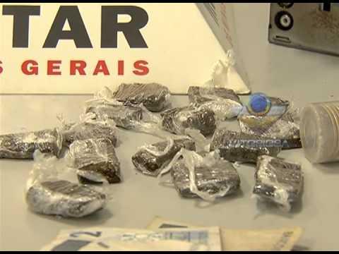 Adolescente é apreendido com drogas e dinheiro no bairro Tibery