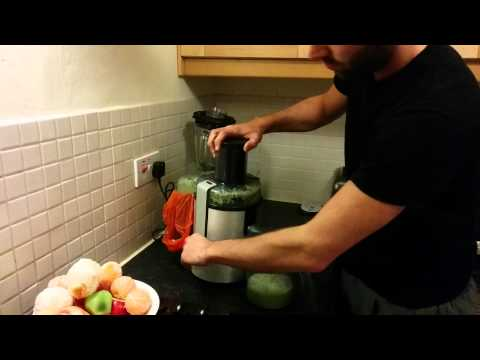 Juicing with the Philips HR1861 juicer