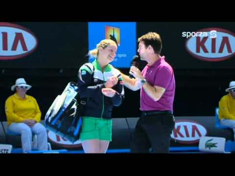 Kim Clijsters 20-1-2011 Interview Tennis Australian Open Todd Woodbridge zwanger boobs