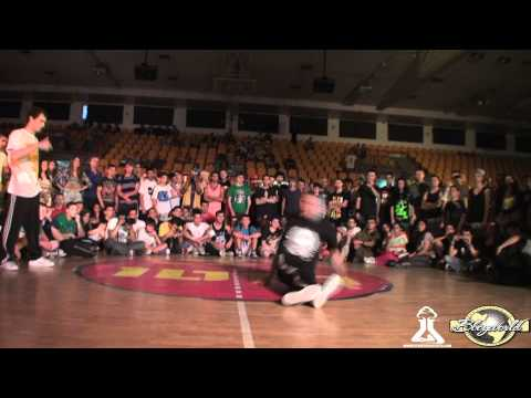 TIP TOP T vs ROBIN (FLOOR MASTERZ 2012) WWW.BBOYWORLD.COM
