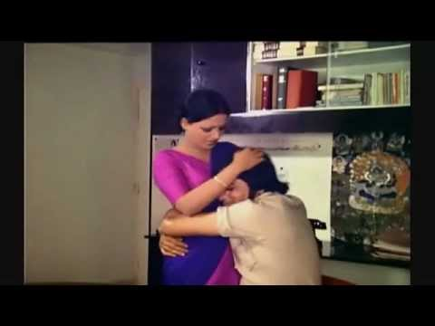 Rekha  Indian Actress Naval in Saree slow motion