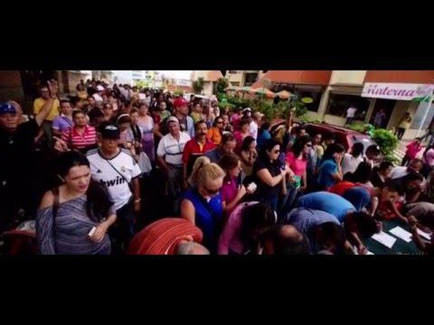 Así fue como llegaron las firmas para el revocatorio de Nicolás Maduro