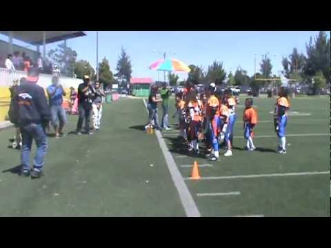 FESTEJO DE BRONCOS IXT FLAGS DESPUES DE SU TERCER VICTORIA