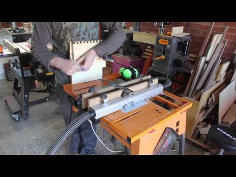 008 - Triton box joint jig for the router