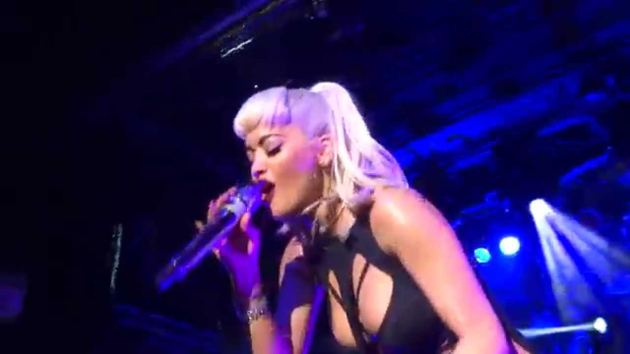 Rita Ora - Body On Me  live  Iggy Azalea And Rita Ora