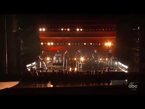 Download Lagu  Jason Aldean feat. Miranda Lambert - Drowns The Whiskey Tradução Mp3 Free