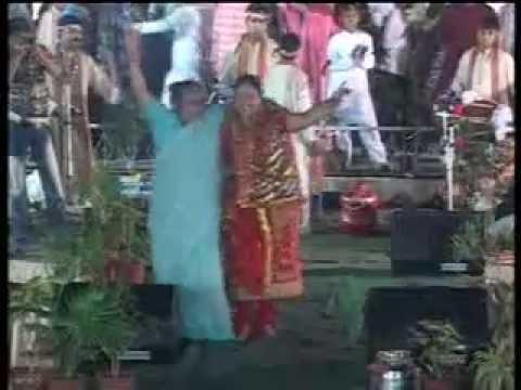 GODRAj STAR- ASHAKIRAN| CHAHiYe Maa ka pyar | GujaraT- JAGRAN!