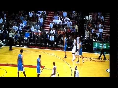 Chris Bosh Misses 3 dunks in 15 seconds!!! WORLD RECORD?!