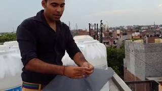 Delhi boys extreme kite flying .... how to fly kites