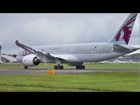 Qatar Airways' Boeing 787-8's flying display at Farnborough Airshow 2012
