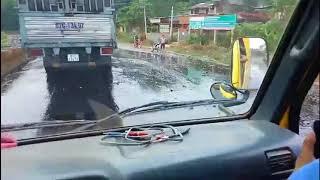 Container chở dầu điều lật xe khiến dầu điều chảy lênh láng cả đoạn dài trên đường DT741 Thuận Phú
