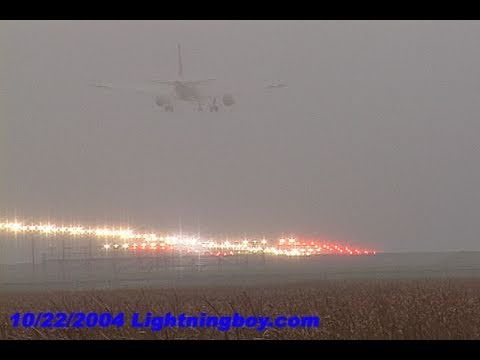10/22/2004 Aviation fog video from Minneapolis, MN international airport