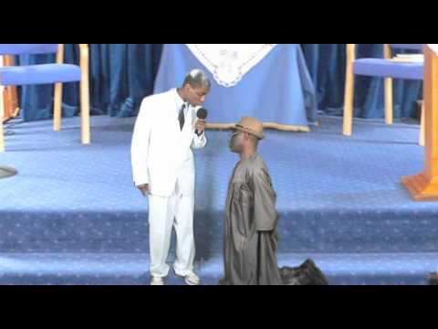 Bishop Oyedepo Slaps President Jonathan
