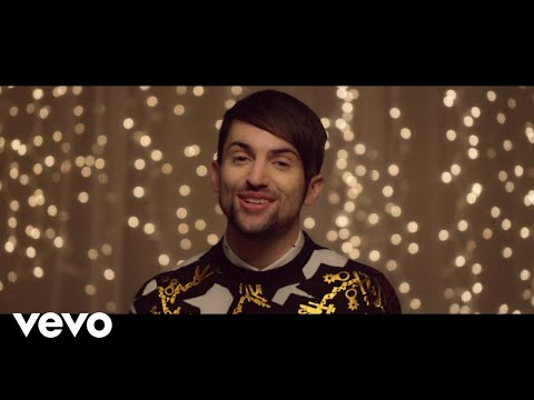 That's Christmas To Me (Official Music Video)