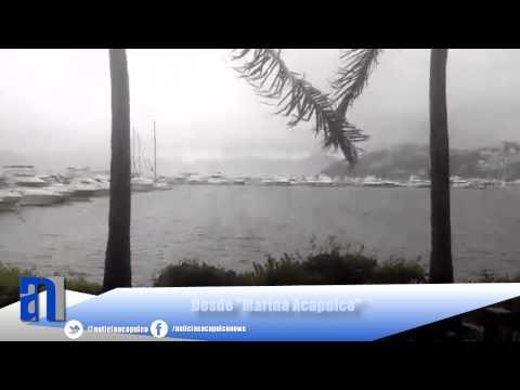 """Efectos de la tormenta Polo en la bahía de Acapulco desde """"Marina Acapulco"""""""