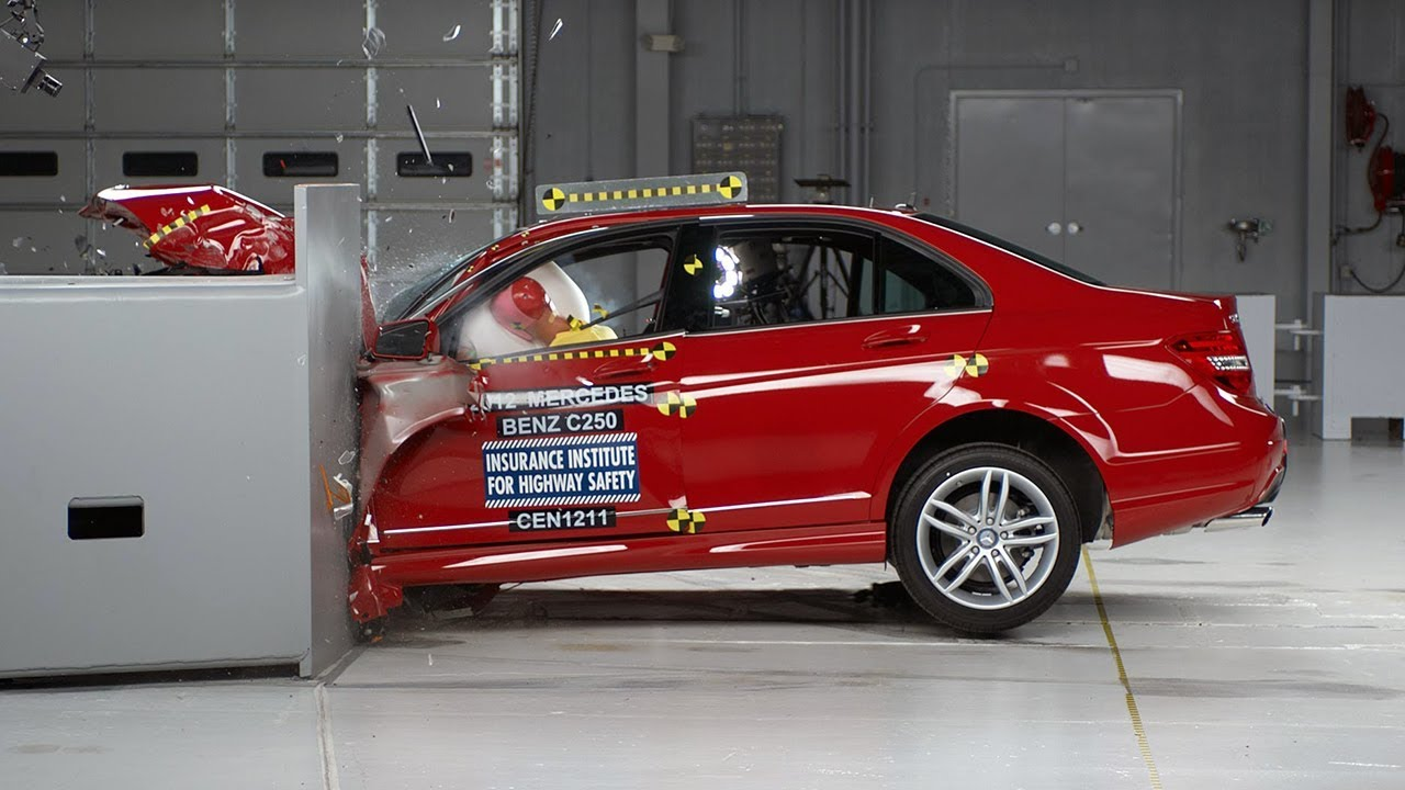 Mercedes benz c class w204 crash test and safety ratings for Mercedes benz safety rating