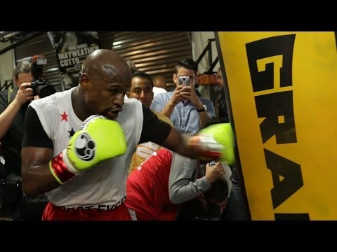 Mayweather vs Maidana Mayweather full mitt  bag workout video