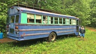 Life On A Bus On A Farm
